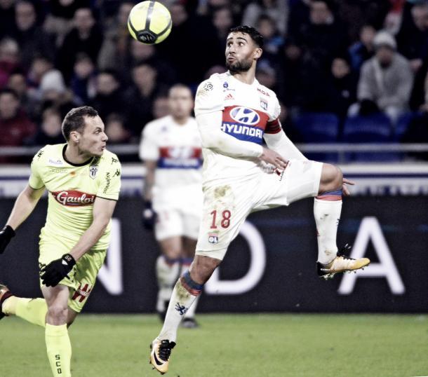 Fekir, el autor del gol del empate ante el Angers. Foto: twitter.com/OL