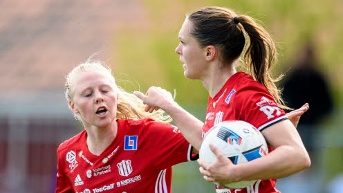 Felicia Karlsson (right) and the rest of Piteå hope that they can continue to put pressure on Eskilstuna and Göteborg. Source: svenskfotboll.se
