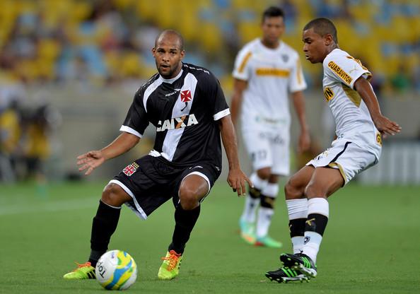 Jogador defendeu também o Vasco no Brasil (Foto: Buda Mendes/Getty Images)