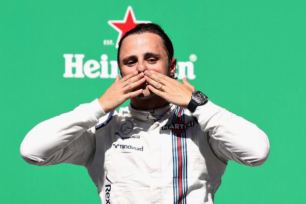 Felipe Massa pudo despedirse de su afición desde el podio de Interlagos | Fuente: Mark Thompson/Getty Images