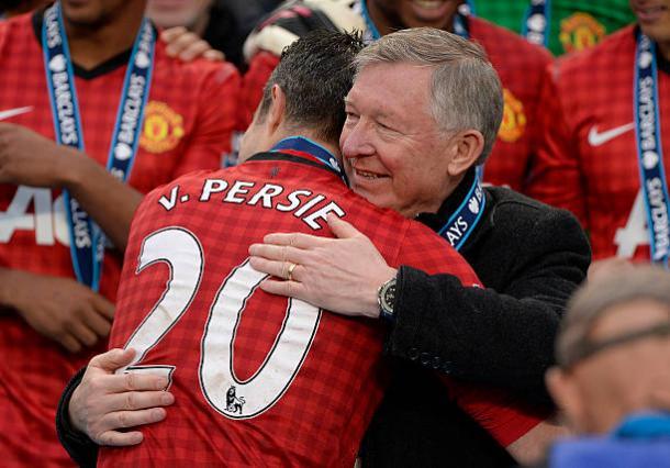 Na última temporada de Sir Alex Ferguson no United, Van Persie venceu a PL (Foto: Tom Jenkins/Getty Images)