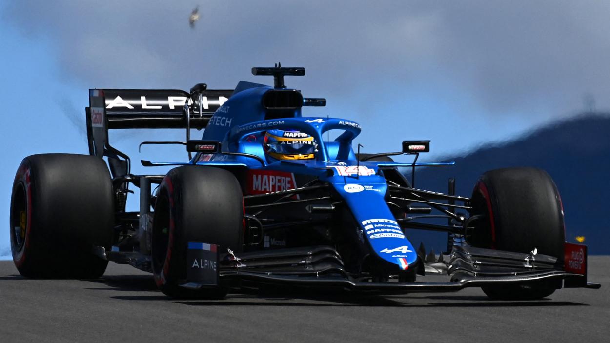 Fernando Alonso en acción con su Alpine. FUENTE: F1