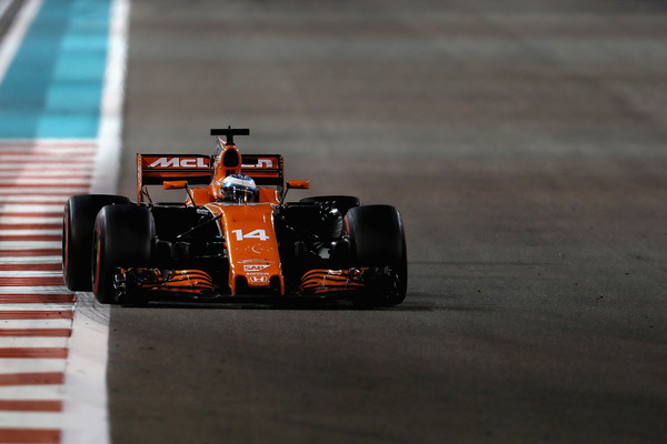 Fernando Alonso, durante el Gran Premio de Abu Dabi de 2017 | Fuente: Mark Thompson: Zimbio