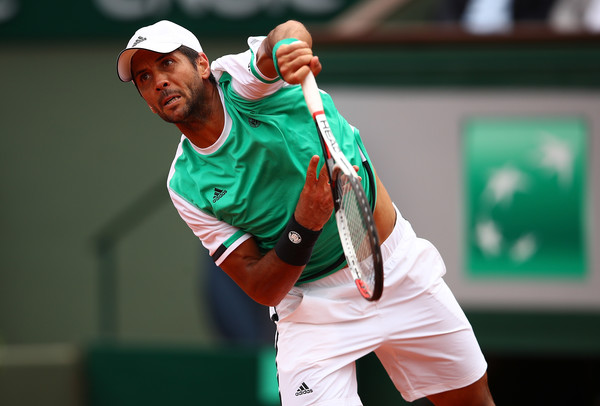 Verdasco fires down a serve against Cuevas in the third round (Photo: Clive Brunskill/Getty Images Europe)