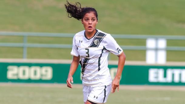 Ferral brilló en el futbol femenino colegial de EE.UU |