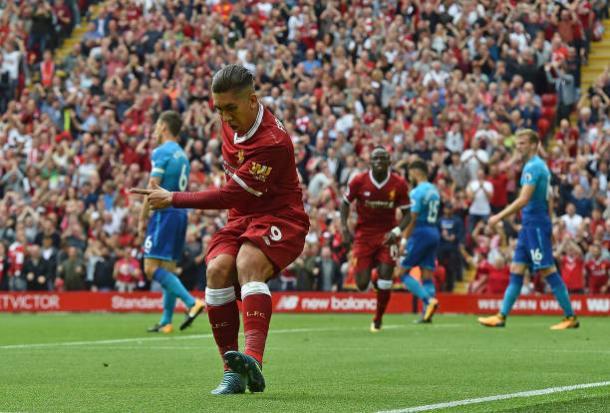 Com dancinha de Firmino, Liverpool acabou com o Arsenal no primeiro turno (Foto: John Powell/Liverpool FC)