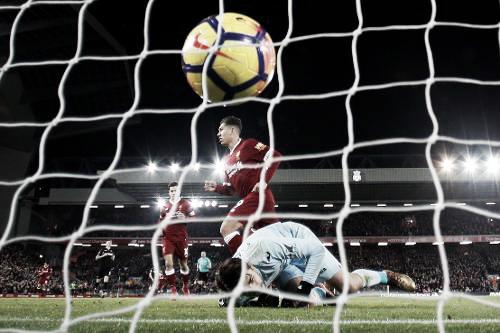 Firmino anota uno de los goles en la vitoria frente al Swansea. Foto: Sitio oficial de la Premier League