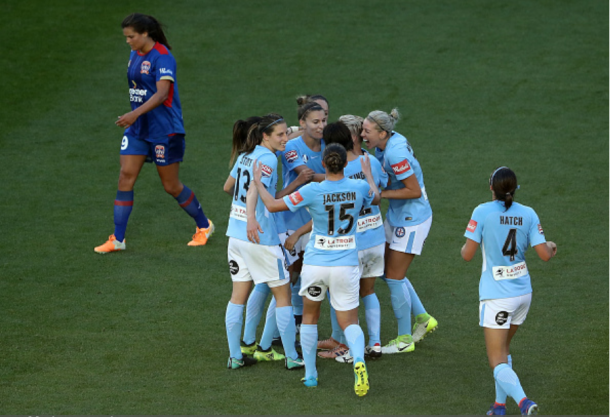 Melbourne City FC celebrates Jessica Fishlock's second goal in their 5-2 victory over the Newcastle Jets | Photo: Robert Cianflone - Getty Images