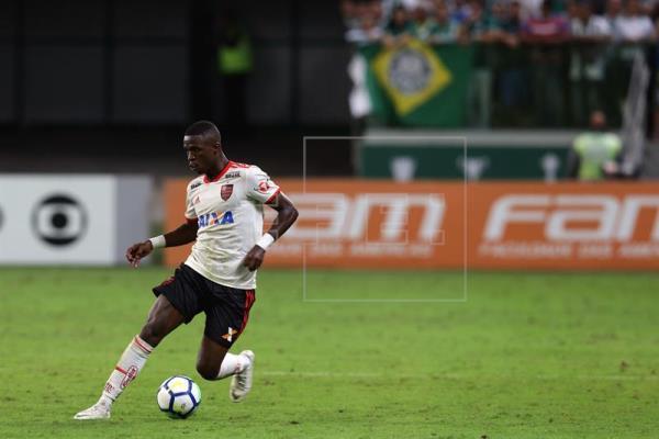 Vinicius con la pelota | Foto: EFE