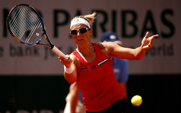 Kirsten Flipkens strikes a forehand. Photo: Adam Pretty/Getty Images