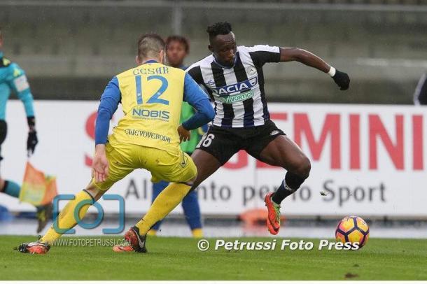 Fofana contro Cesar. Fonte: www.facebook.com/UdineseCalcio1896