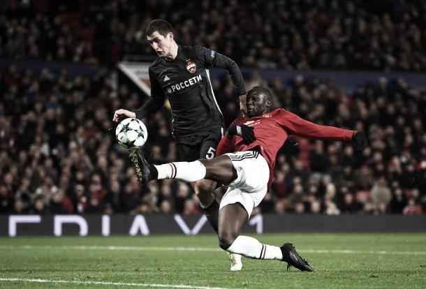 Romelu Lukaku fue inamovible y estampó el 1-1 | Foto: ManUtd