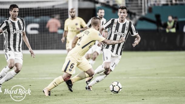 Juventus fue más efectivo durante la primera mitad, y lo coronó con un gol   Foto: Hard Rock Stadium Twitter