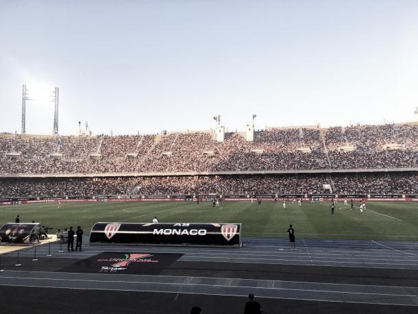 El Stade de Tánger, lleno de aficionados mirando la gran final | Foto: Mónaco Twitter