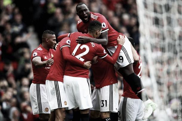 El equipo de Old Trafford festeja una nueva victoria | Foto: @ManUtd