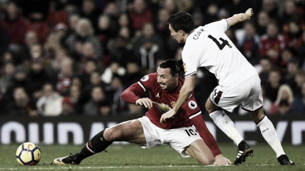 Zlatan Ibrahimovic sufrió una nueva lesión en su rodilla   Foto: ManUtd