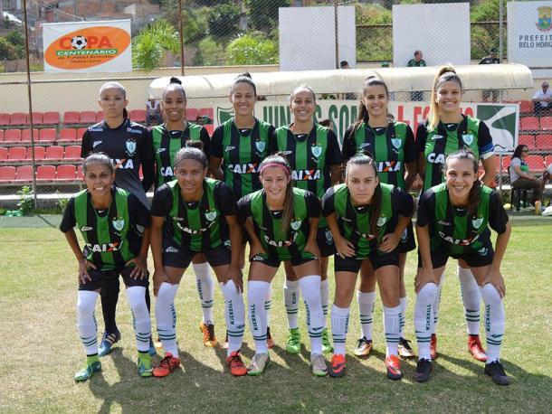 Equipe do América-MG, primeira profissional do estado de Minas Gerais (Foto: Divulgação/América-MG)
