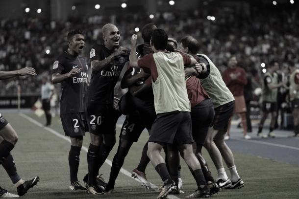 Los jugadores del PSG festejan uno de los goles ante el Mónaco. Foto: twitter.com/PSG_inside