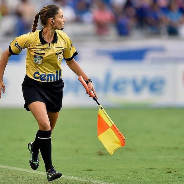 Fernanda Nândrea, no jogo entre Cruzeiro e Guarani, pelo Campeonato Mineiro de 2016 (Foto: Osmar Ladeia)
