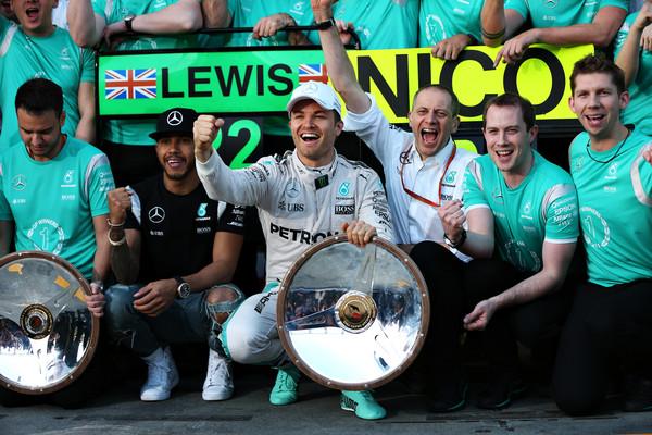 Mercedes celebrando su primer 'doblete' del año. Fuente: Zimbio