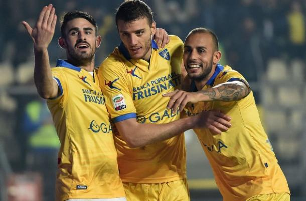 La gioia del Frosinone dopo il vantaggio, mediagol.it