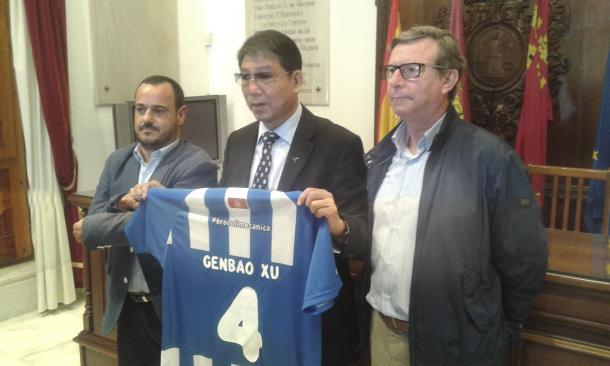 Xu Genbao en su presentación como dueño del Lorca FC. |Foto: Lorca FC