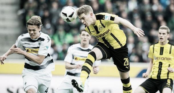 Matthias Ginter disputando un partido contra su nuevo club/ Foto: Borussia Dortmund.Oficial
