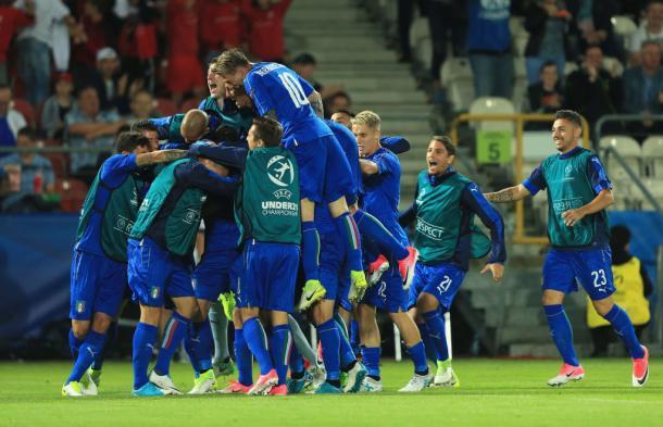 El equipo se vuelve loco con el golazo de Pellegrini | Foto: FIGC