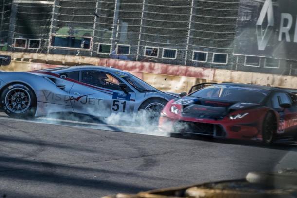 Acidente ainda no início da prova entre a Ferrari #51 e a Lamborghini #66, foi o único registrado. (Foto: AdrenalMedia)