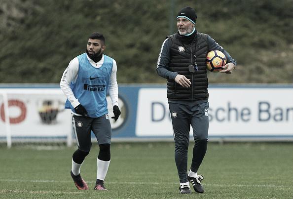 Gabigol ainda não entrou em campo desde a saída de Frank de Boer e a chegada de Stefano Pioli (Foto: Marco Luzzani/Internazionale)