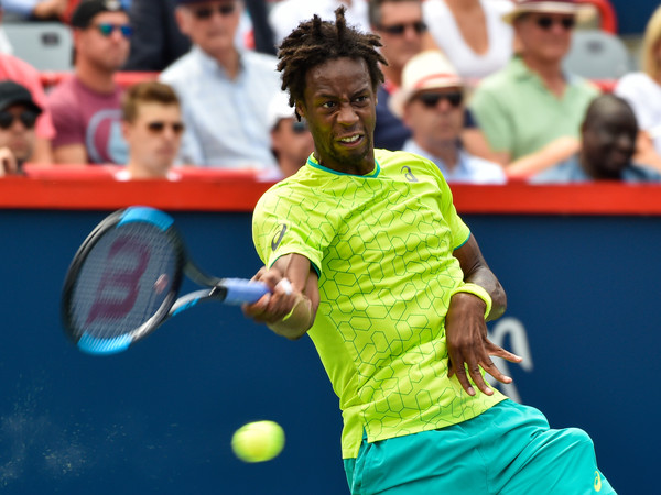 Monfils lines up a forehand (Minas Panagiotakis/Getty Images North America(