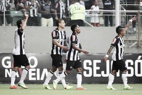 Fred empatou o duelo antes do intervalo (Foto: Bruno Cantini/Atlético-MG)