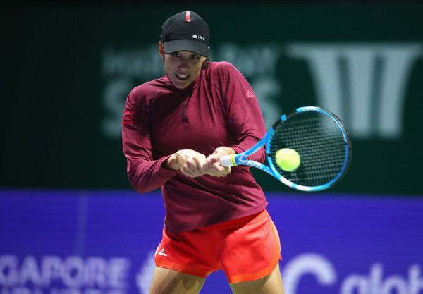Garbine Muguruza in action during a practice session in Singapore | Photo: Clive Brunskill/Getty Images AsiaPac