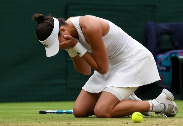 Garbiñe Muguruza celebrates after defeating Venus Williams in the 2017 Wimbledon final to capture her second Grand Slam title. | Photo: Shaun Botterill/Getty Images