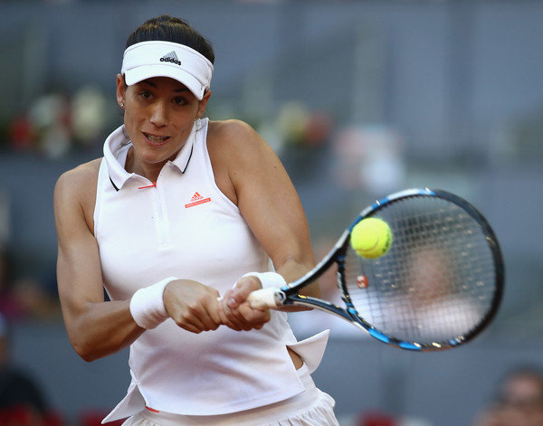 Garbine Muguruza hits a backhand | Photo: Julian Finney/Getty Images Europe