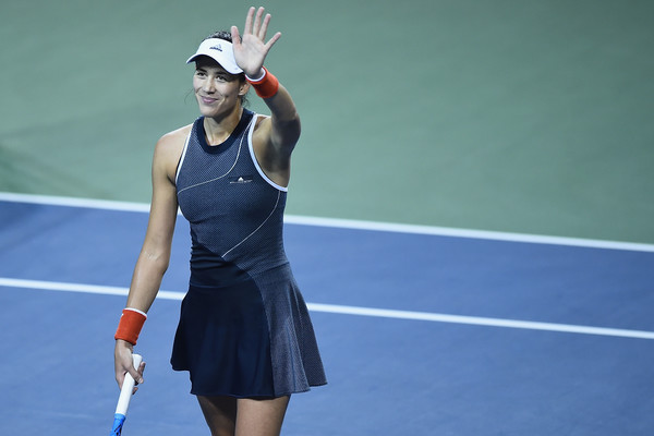 Garbine Muguruza applauds the crowd after the match | Photo: Matt Roberts/Getty Images AsiaPac