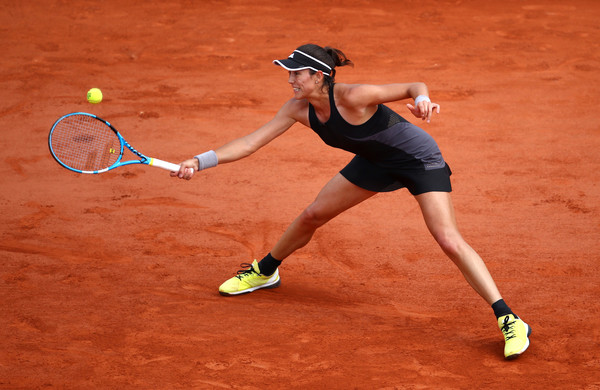 Garbine Muguruza reaches out for a forehand | Photo: Cameron Spencer/Getty Images Europe
