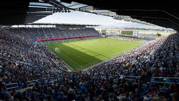 Earthquakes Stadium lleno en un encuentro de MLS (sjearthquakes.com)