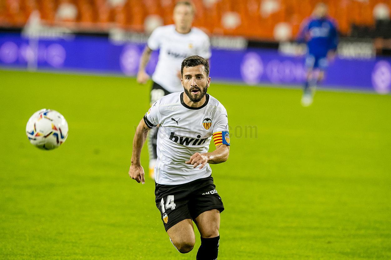 Gayá durante un partido esta temporada.   Foto: Valencia CF