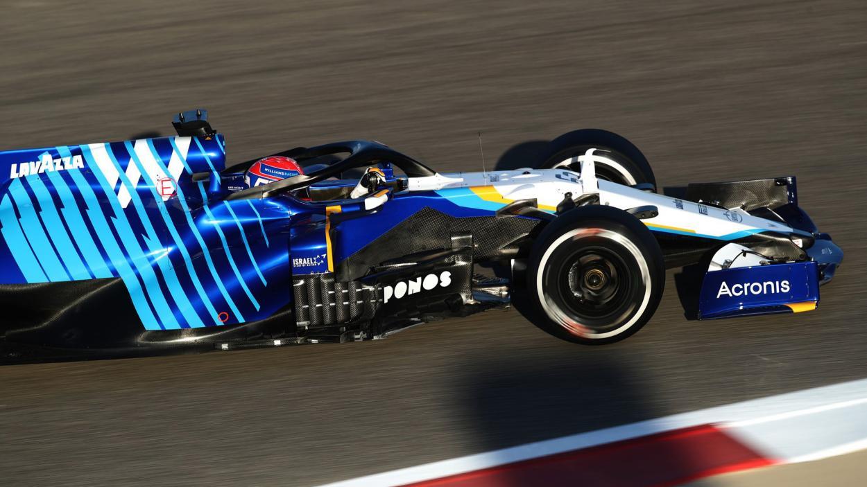 George Russell conduciendo su Willams. FUENTE: F1