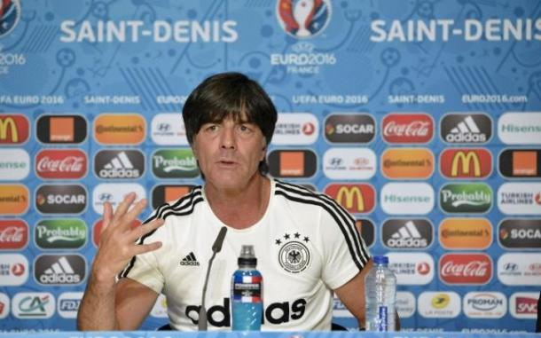 Loew in conferenza stampa, telegraph.co.uk