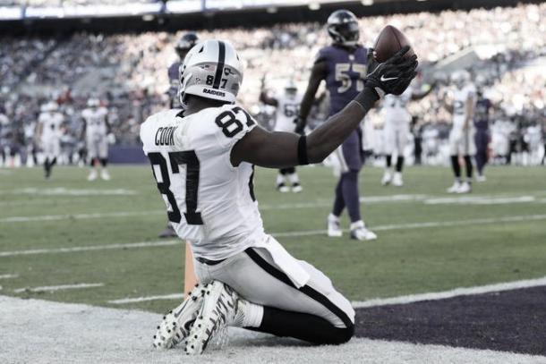 Jared Cook será un refuerzo de lujo para esta ofensiva. Llega como agente libre tras un gran año en los Raiders. (Imagen: Raiders.com)