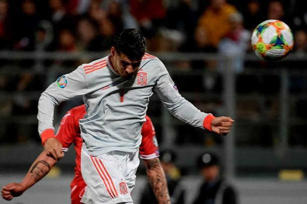 Morata cabecea a portería I Foto: UEFA