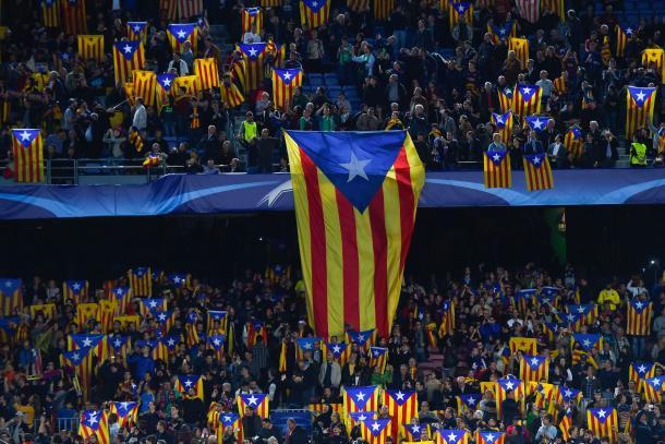 Banderas estiladas en el Camp Nou I Fuente: Getty Images