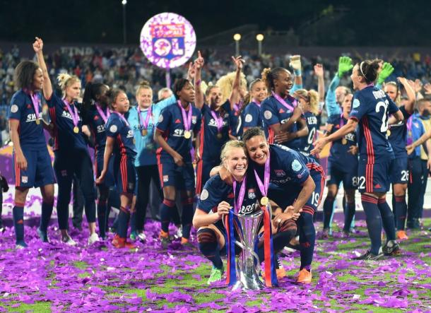 Celebración de las jugadoras del Lyon. FOTO: UEFA.com