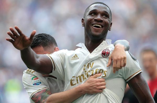 Cristian Zapata, sarà Capitano del Milan a Crotone. Fonte foto: Getty Images Europe.