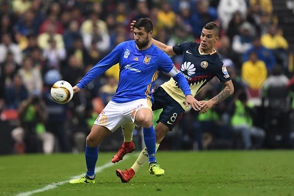 Atacante francês chegou a ter seu nome ventilado no Flamengo (Foto: PEDRO PARDO/AFP/Getty Images))