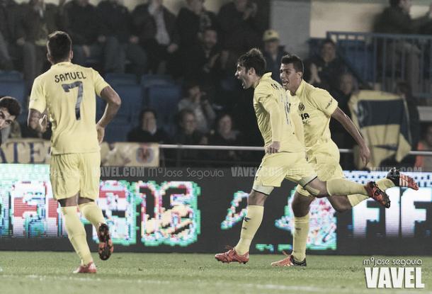 Trigueros celebra su gol contra la SD Huesca. Imagen: María José Segovia (VAVEL)
