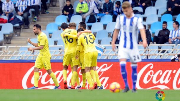 El equipo celebra el gol de Castillejo en Anoeta la temporada pasada | Foto: Villarrealcf.es