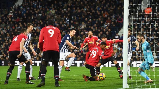 Gol de Gareth Barry | Fotografía: Premier League